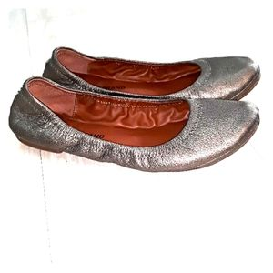 Lucky Brand leather flats footies sz 7.5
